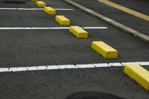 駐車場にとりつける看板の役目